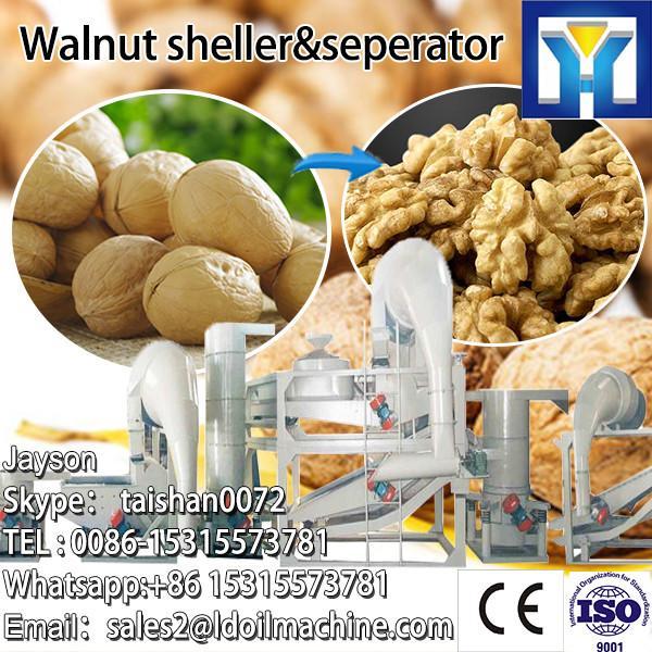 Green almond peeler machine for green peel